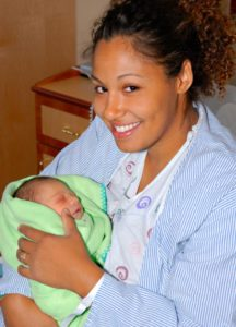 Mother-newborn-V
